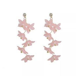 Jewelry - Pink acrylic flower dangle hanging earrings